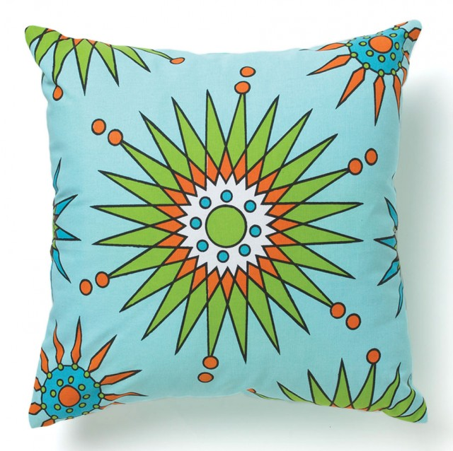Starflower Daisies Pillow